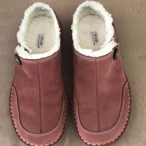 Teva Brown Suede Mules Shearling lining Size 6.5